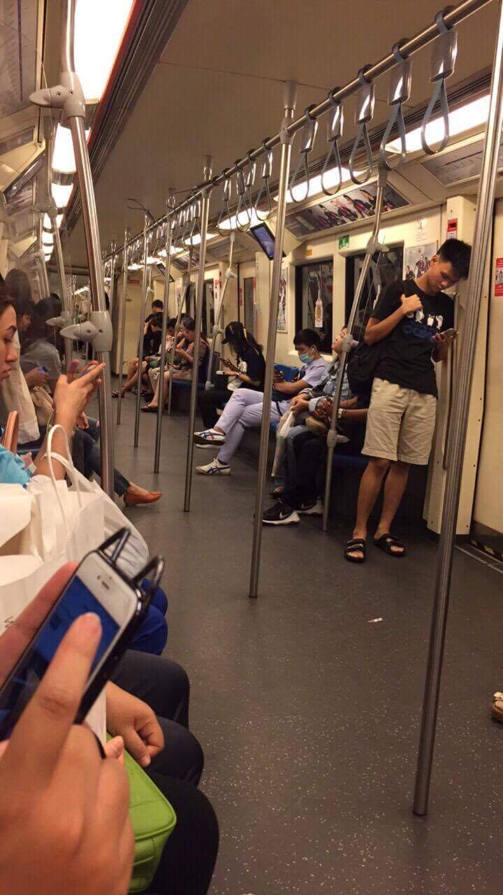 Du lịch Thái Lan tự túc : cách đi Skytrain và MRT